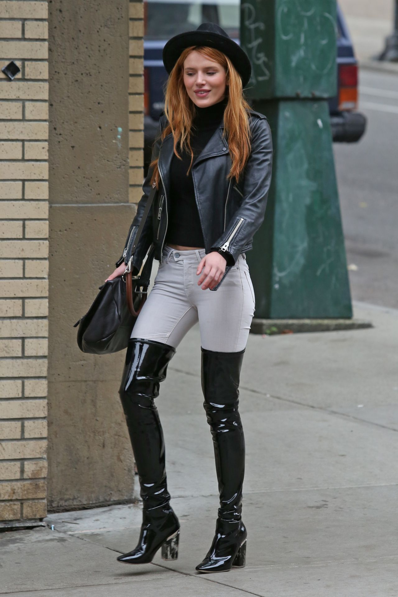 Bella Thorne Hot In Jeans Vancouver October 2015
