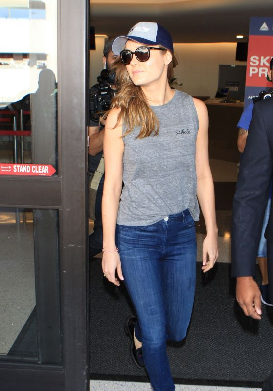 Brie Larson - LAX Airport in Los Angeles, October 2015