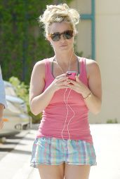 Britney Spears - Leaving a Gym in Calabasas, October 2015