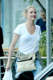 Cameron Diaz - Gets Food to Go in Hollywood, October 2015