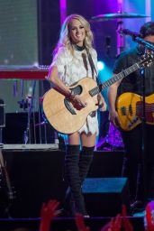 Carrie Underwood Performs on