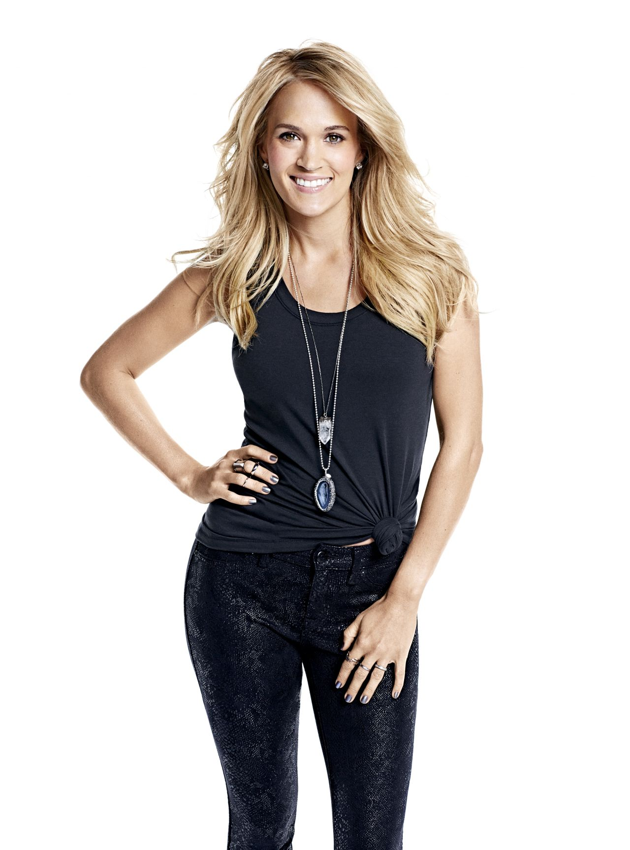 Carrie Underwood – Photoshoot for Shape USA – November 2015