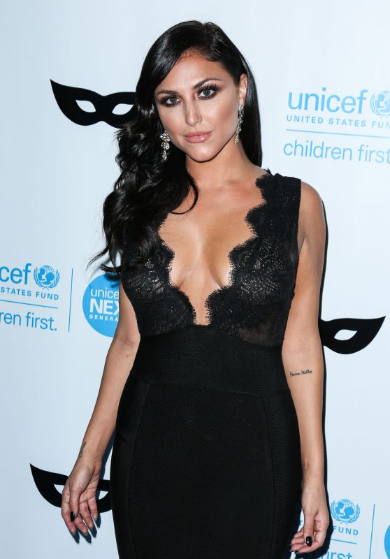 Cassie Scerbo – 2015 UNICEF Black & White Masquerade Ball in Los Angeles