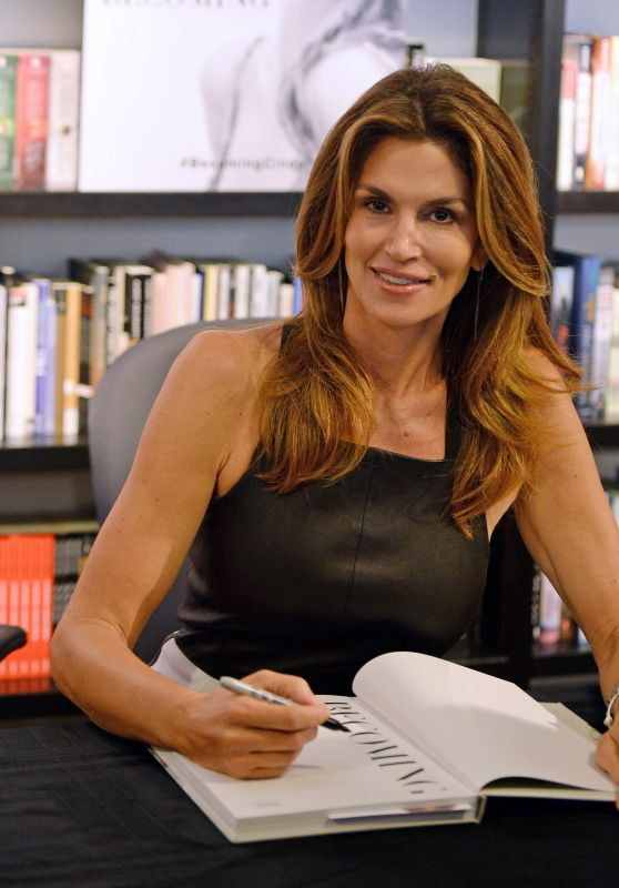 Cindy Crawford - Book Signing in Bal Harbour, Florida