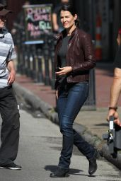 Cobie Smulders - Set of