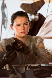 Daisy Ridley - Star Wars: The Force Awakens Poster and Photos (2015)