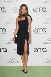 Dawn Olivieri - 2015 EMA Awards in Burbank