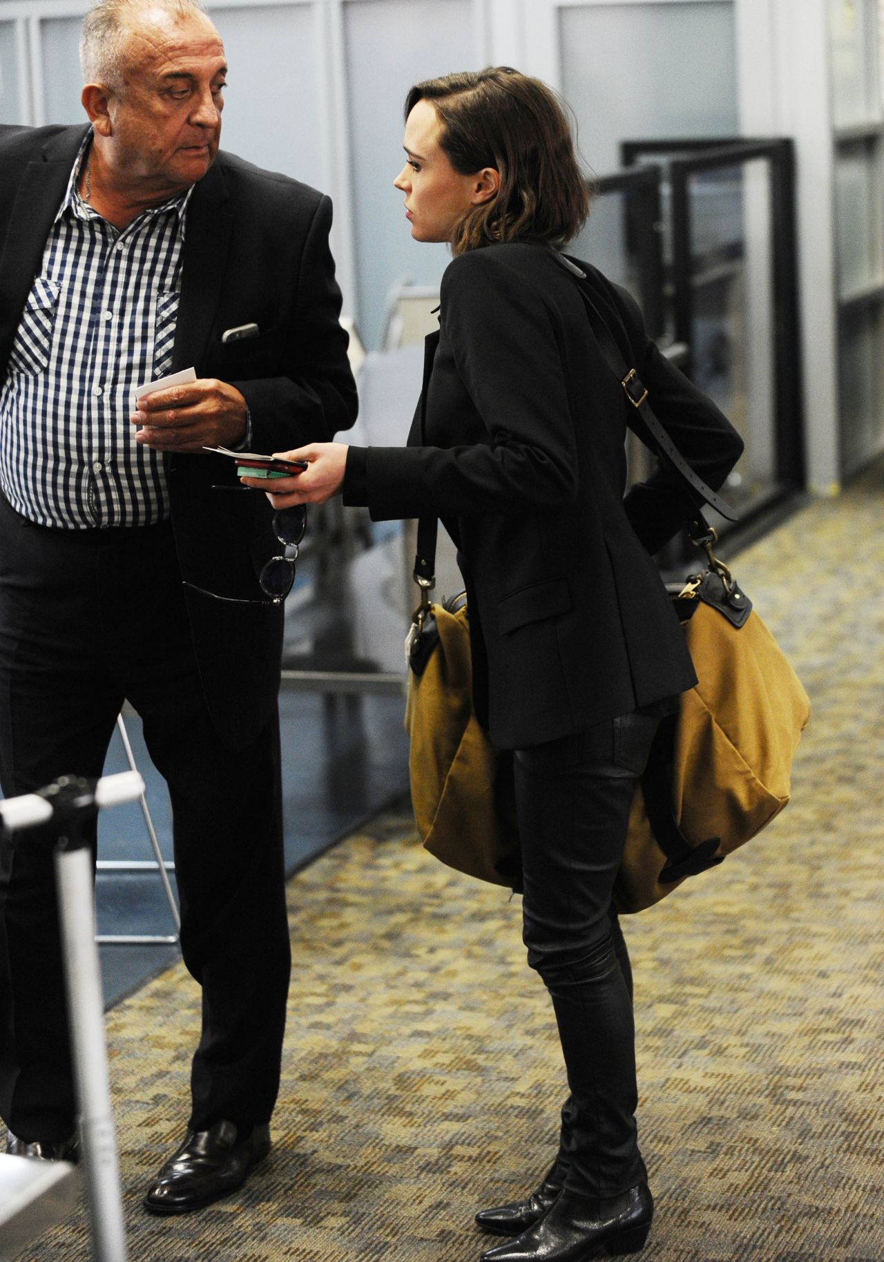Ellen Page In Leather Pants At Lax Airport October 2015
