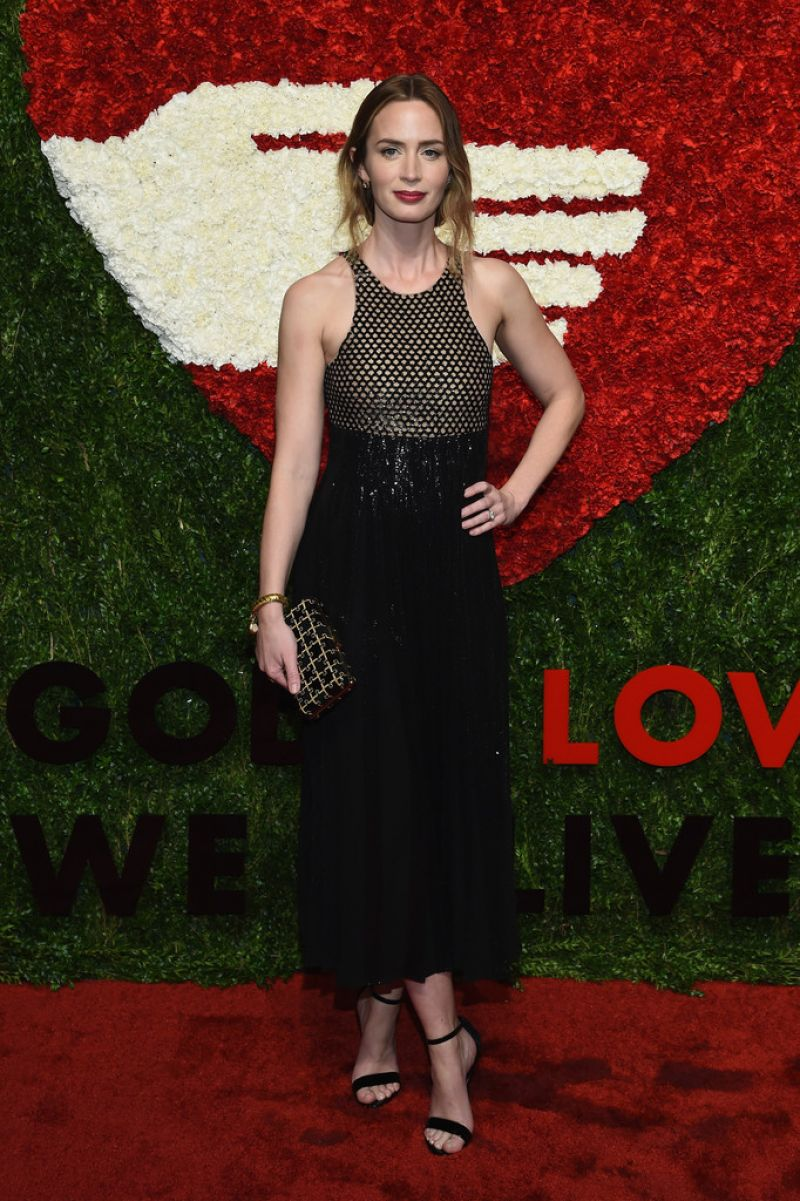 Emily Blunt – God's Love We Deliver, 2015 Golden Heart Awards in ... Emily Blunt