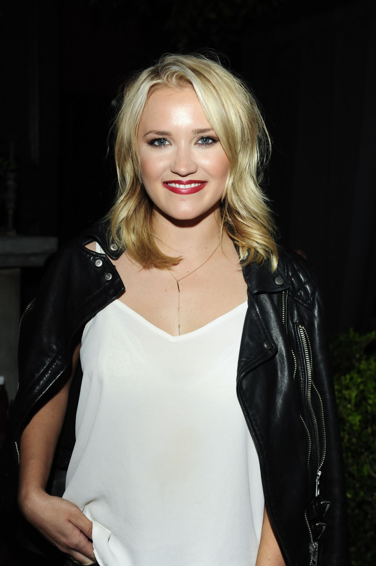 Emily Osment Nude Photos 39