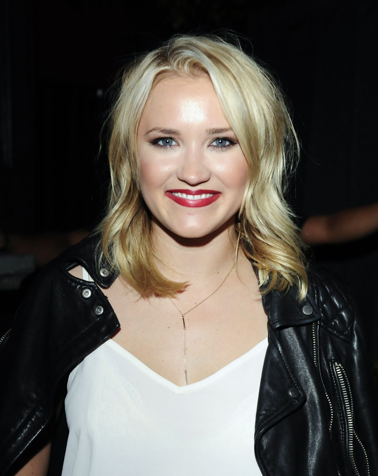 Emily Osment Nude Photos 27