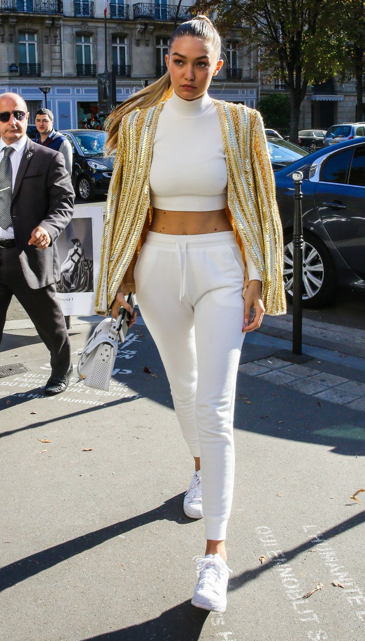 Gigi Hadid Street Fashion At L 39 Avenue Restaurant In