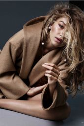 Gigi Hadid - Vogue Magazine Netherlands November 2015 Issue and Photos