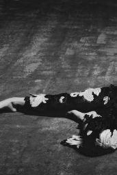 Hailee Steinfeld - Photoshoot for Wonderland Magazine August 2015