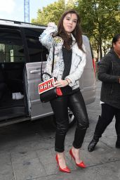 Hailee Steinfeld Style - Out in London, October 2015