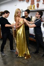 Heidi Klum - Working on Her Halloween Costume, October 2015