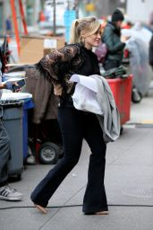 Hilary Duff - On the Set of