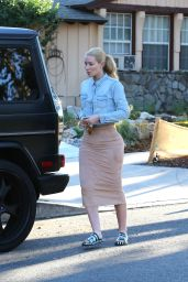 Iggy Azalea - Visiting a Friend in LA, October 2015