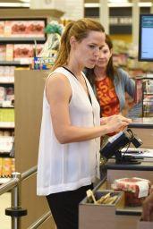 Jennifer Garner - at Farmer