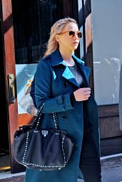 Jennifer Lawrence Autumn Style - Out in New York City, October 2015