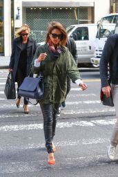 Jessica Alba Casual Style - Out in NYC, October 2015