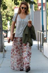 Jessica Alba Street Style - Out in LA, October 2015