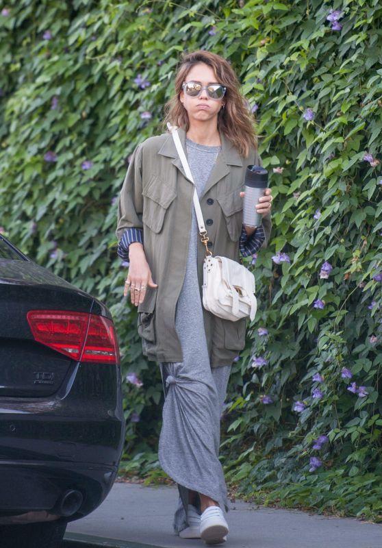 Jessica Alba Street Style - Out in Los Angeles, October 2015
