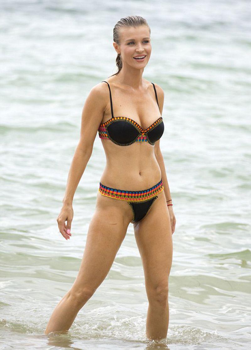 Miami beach bikini pic