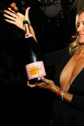 Joanna Krupa - Mynt Lounge in Miami, October 2015