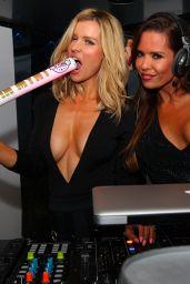 Joanna Krupa - Mynt Lounge in Miami, October 2015