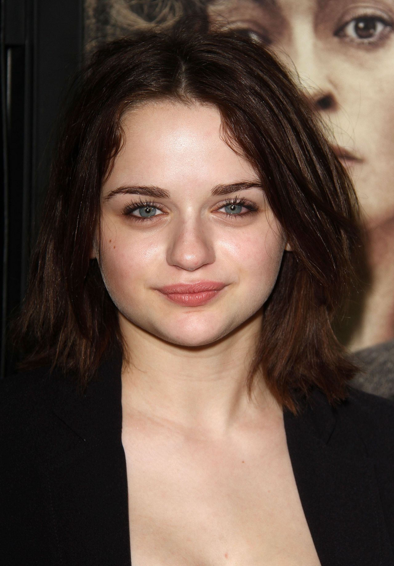 Joey King – Focus Features 'Suffragette' Premiere in Los Angeles
