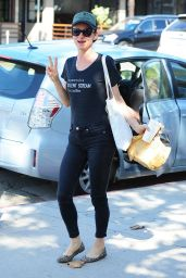 Juliette Lewis Street Style - Ventura Blvd near Burbank - October 2015
