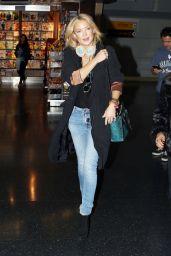 Kate Hudson at JFK Airport, October 2015
