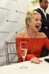 Kate Hudson - Fabletics Boutique Opening in Bridgewater, October 2015