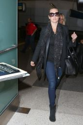 Kate Winslet Airport Style - LAX in Los Angeles, October 2015