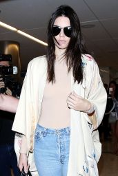 Kendall Jenner Airport Style - LAX in Los Angeles, October 2015