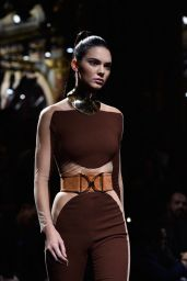 Kendall Jenner - Balmain Show at Paris Fashion Week - Womenswear S/S 2016