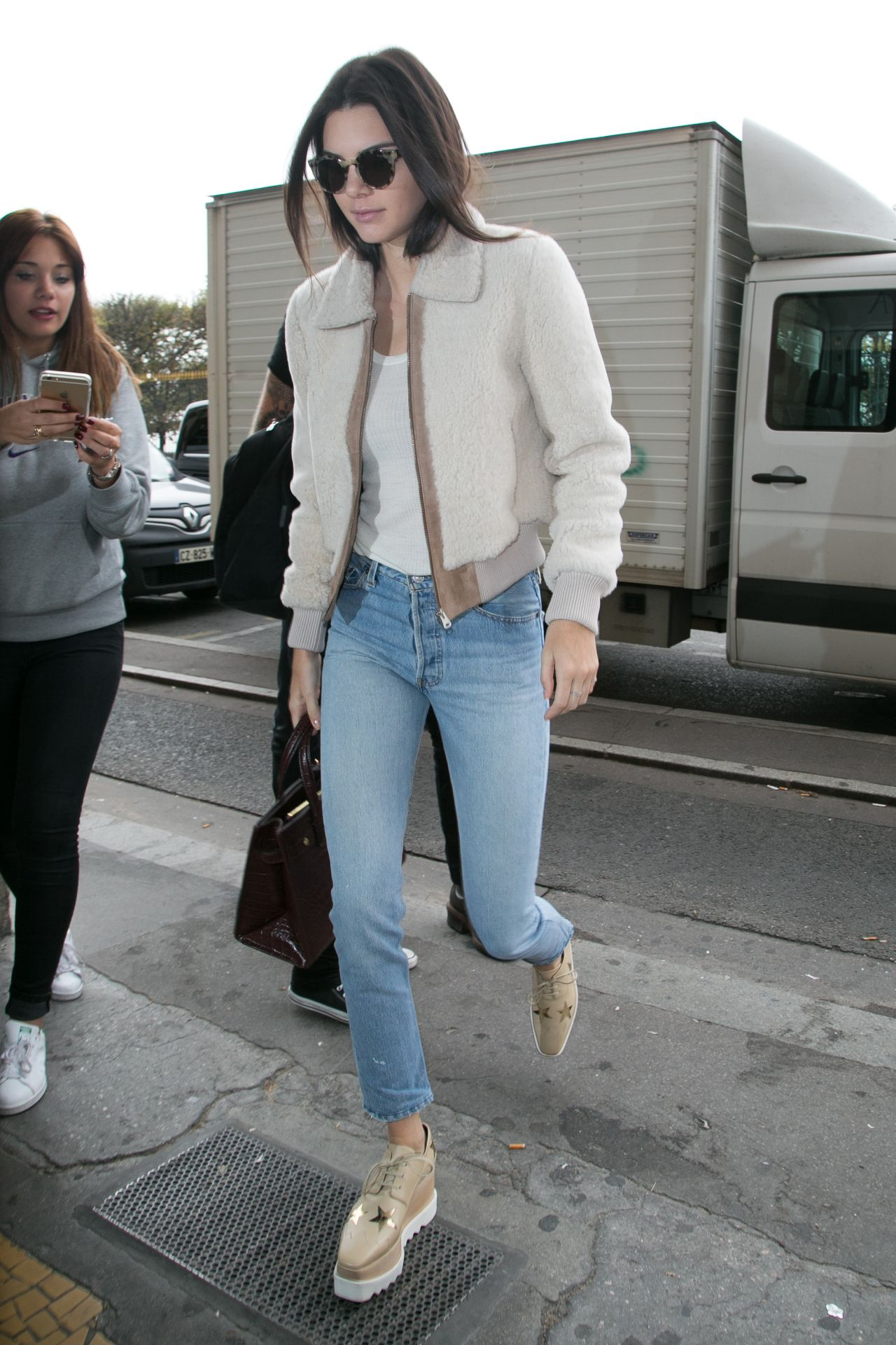 Kendall Jenner Casual Style Going To Lunch In Paris October 2015