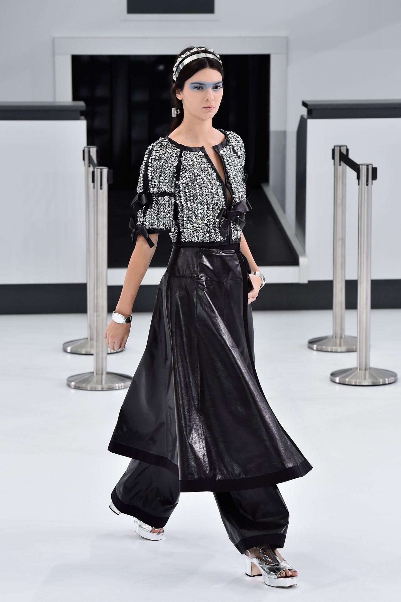 Kendall Jenner Chanel Show Paris Fashion Week