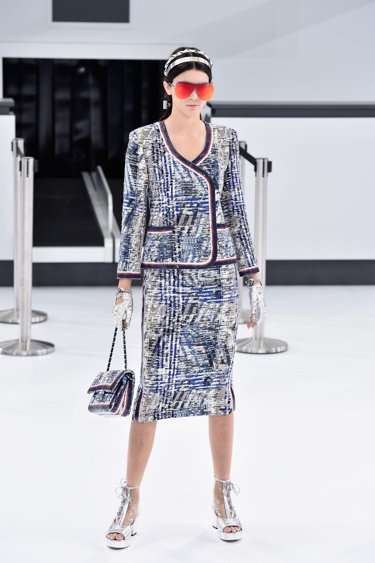 Kendall Jenner Chanel Show Paris Fashion Week Womenswear S S 2016