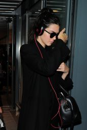 Kendall Jenner - Heathrow Airport in London, October 2015