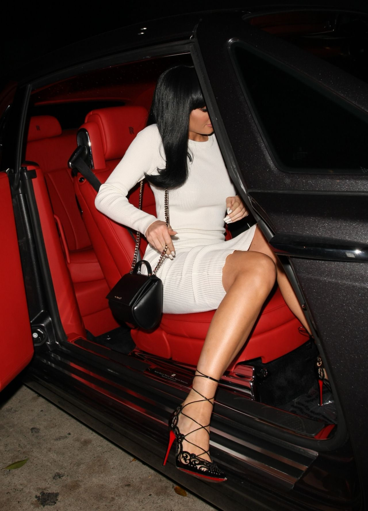 Kendall Jenner Style Inspiration - White House