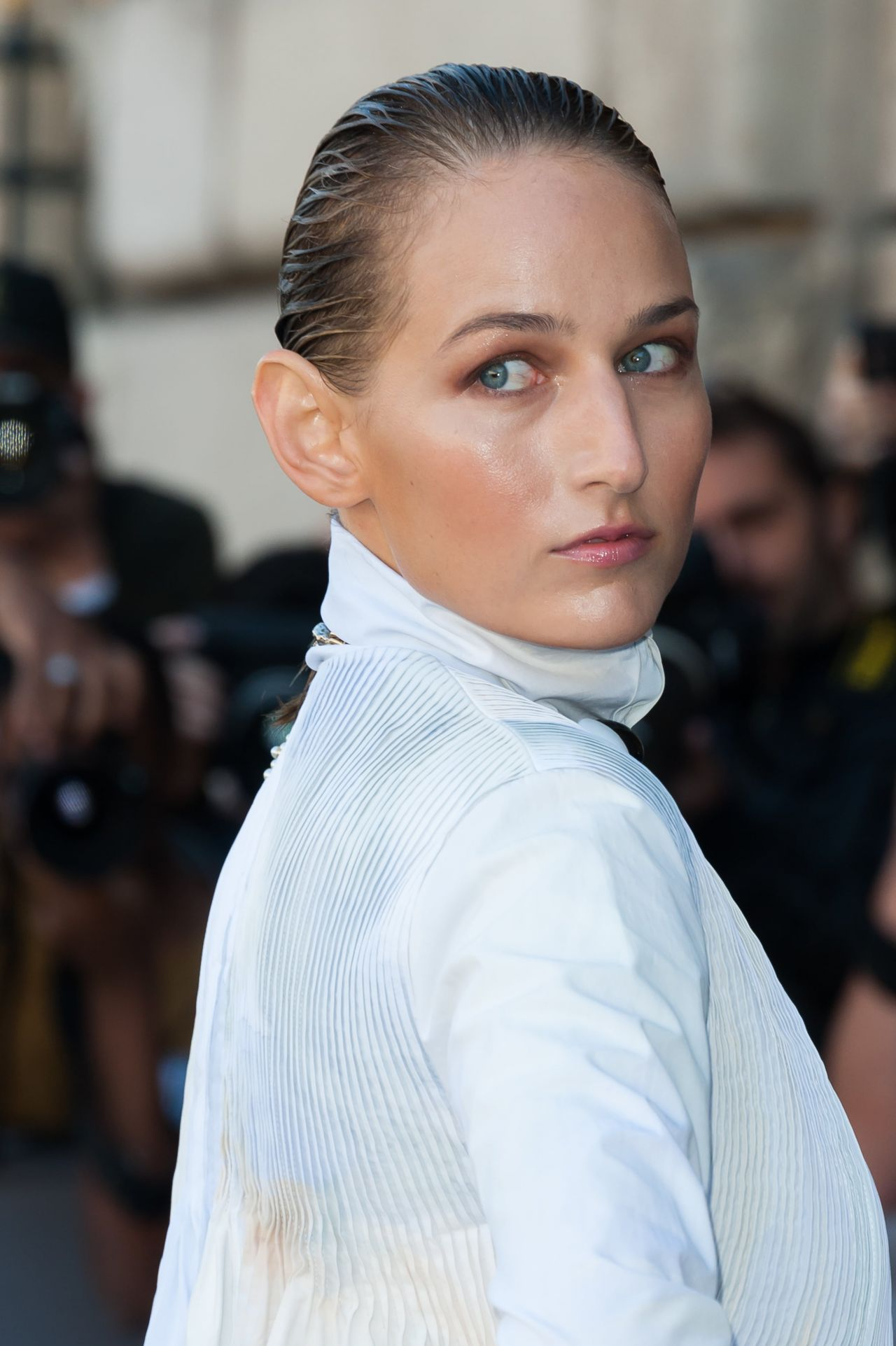 Leelee Sobieski Christian Dior Fashion Show In Paris
