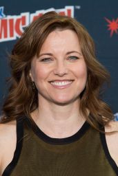 Lucy Lawless - STARZ