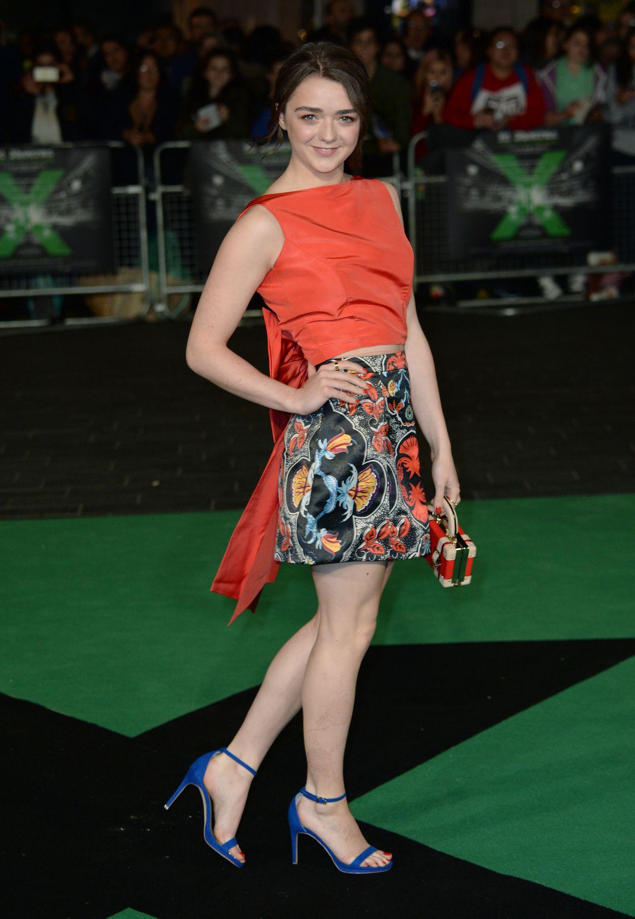 legs Maisie williams