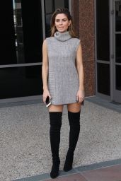 Maria Menounos - E! News Set in Los Angeles, October 2015