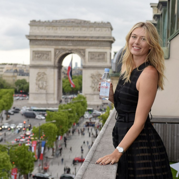 maria-sharapova-photoshoot-for-evian-water-at-the-maison-du-danemark-in-paris-2015-_1