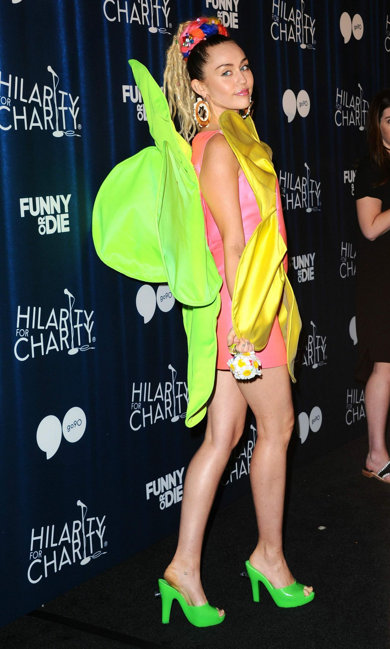 Miley Cyrus Hilarity For Charity S James Franco S Bar