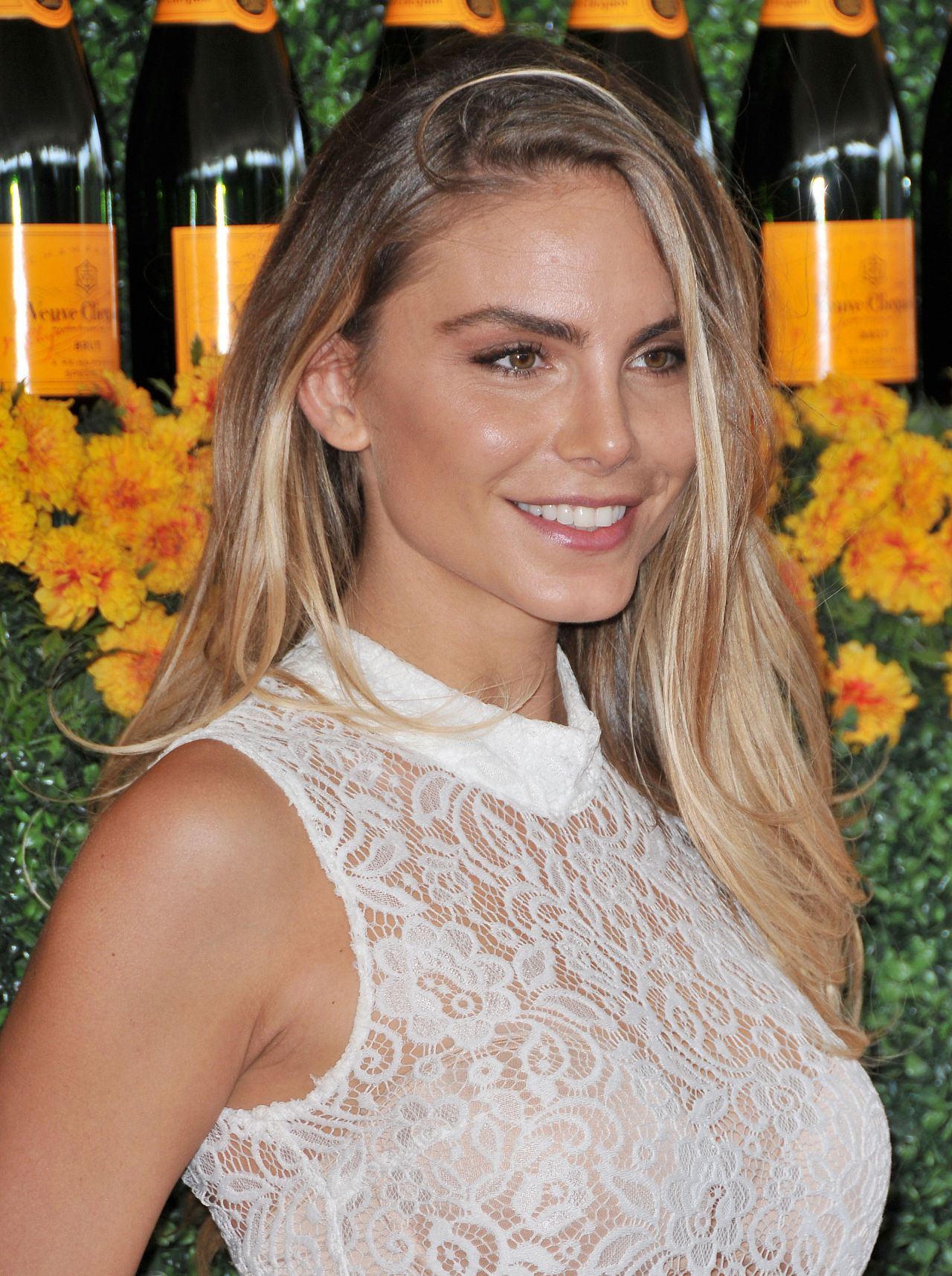 Nina Senicar  2015 Veuve Clicquot Polo Classic in Pacific - 2015 Summer Hairstyles