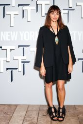 Rashida Jones - T Magazine Celebrates The Inaugural Issue in West Hollywood